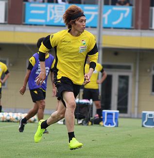 増嶋竜也選手「そんなに悪くなかったし、前に攻撃的に行ける。距離感も今は4バックのほうがいい」