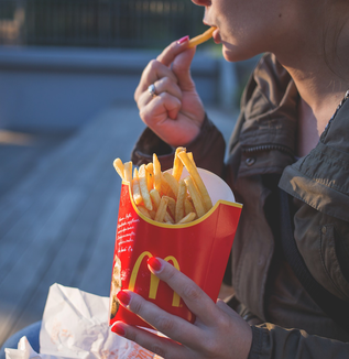 速食いの人は太るか
