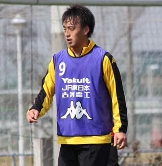 本村武揚選手「疲労はありますけど、(第23節・京都戦から第24節・群馬戦までの間は)中3日なので、自分でコンディションは調整できています」