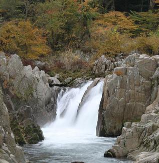 籠場の滝の伝説