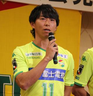 佐藤寿人「このユニフォームを着た中で、勝利につながるゴールを決めて、その先にやっぱりJ1に戻るっていう、意味のあるゴールを数多く決めていきたい」