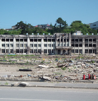 """震災が""""始まってから""""二年半-全国不登校率ワーストの宮城県の今"""