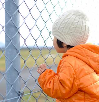 行方不明の子どもが乳幼児で四千人超、小中学生で一千人超-10年間子どもが失踪してもわからない日本社会