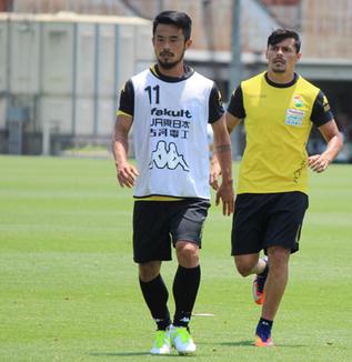佐藤勇人選手「自分たちがまずボールを奪う努力が必要」