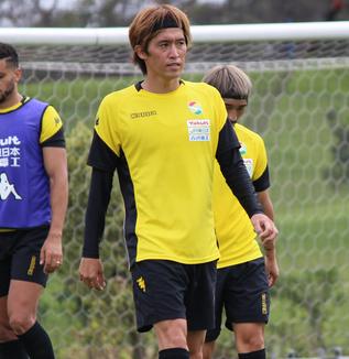 増嶋竜也選手「僕のところもそうですけど、今、(工藤)浩平さんがトップ下にいることによってだいぶコントロールしてくれているし、気を使ってスタートを切ってくれている」