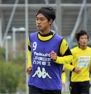 堀米勇輝選手「ホームで点を取れるように頑張りたいです。次の試合でもアシストもできるように頑張ります」