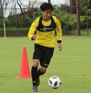 小島秀仁選手「2試合勝てたことはみんな自信になっていると思うけど、まだ2試合なので。まだまだやらなきゃいけないことはたくさんあると思う」