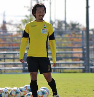 工藤浩平選手「単純な球際だったり、高さだったりというところで勝負したら(自分は)勝てないので、ポジショニングや相手のプレーの予測の部分を考えながらやっていきたい」