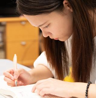 新型コロナの影響で、受験を控える高校3年生の高まる不安(前編)-オンライン授業やAO・推薦入試、学習環境への懸念